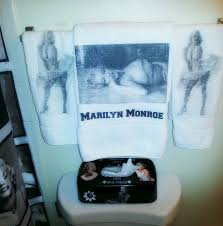 marilyn monroe bathroom ideas