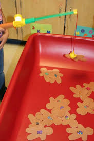 Games To Play In Christmas Parties - christmas party games for the holiday kid friendly things to do com