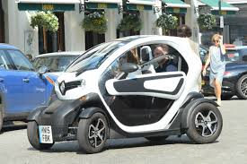 renault twizy geri halliwell drive a renault twizy out in london 09 14 2016