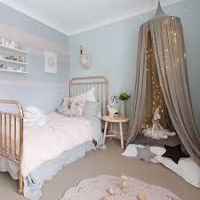 chambre petit fille chambre de fille idées de décoration capreol us