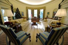bureau ovale maison blanche 20 minutes barack obama refait la déco du bureau ovale monde