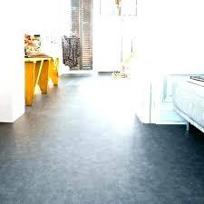 sol cuisine pvc revetement de sol pvc cuisine free carreau ciment with pour