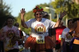 runners celebrate thanksgiving in annual turkey trot race in orlando
