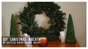 Easy Diy Christmas Tree Garland Diy Christmas Wreath How I Upcycled Old Garland For A Beautiful