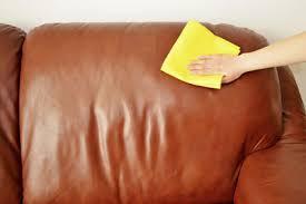 comment nettoyer un canap en simili cuir noir comment nettoyer un canapé en simili cuir cdiscount