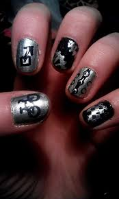 the nailsketeers cycling themed nails for the two tunnels opening