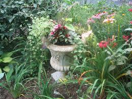 Backyard Flower Garden Ideas by Small Flower Garden Small Backyard Ideas Design Ideas For