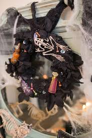 Halloween Door Wreath by Best 25 Halloween Door Wreaths Ideas On Pinterest Halloween Top