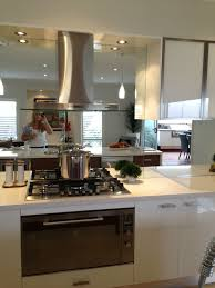 Kitchen Splash Guard Ideas 27 Best Mirror Splashback Images On Pinterest Mirror Splashback