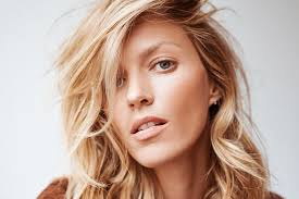 rinsing hair with coke how often should you wash your hair a guide into the gloss