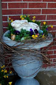 Cute Easter Outdoor Decorations by