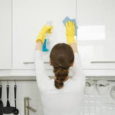 best thing to clean kitchen cabinet doors how to clean kitchen cabinet doors