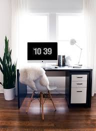 Chic Desk Accessories by 10 Chic Desk Accessories For The New Year Coco Kelley Coco Kelley