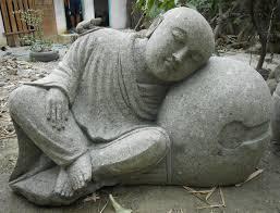 fontaine en pierre naturelle statue de jardin extérieur moine shaolin en pierre naturelle 1 m