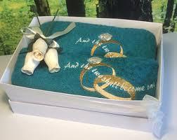 wedding gift towels mr mrs towel set mr and mrs wedding gift