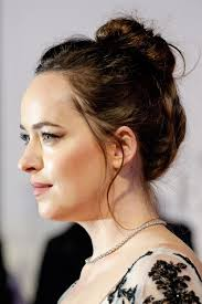 how to get dakota johnsons hairstyle dakota johnson s hairstyles hair colors steal her style