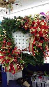 Lighted Decorated Christmas Wreaths by 66 Best Christmas Square Wreath Images On Pinterest Christmas