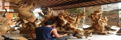 a balinese wood carving best bali tour