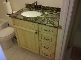 maple cabinets with white quartz what color countertops with oak