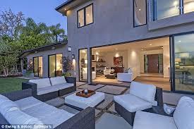 Kourtney Kardashian House Interior Design by Kourtney Kardashian U0027s Partner Scott Disick Buys Bachelor Pad In