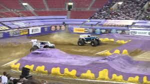 grave digger legend monster truck lucas oil crusader vs grave digger legend monster jam world