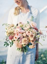 diy hand tied garden style bridal bouquet