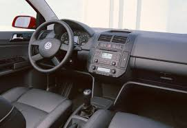 Vw Golf Mk5 Interior Styling Used Volkswagen Polo Review 1996 2005 Carsguide