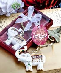 keychain favors 216 best keychain favors images on wedding keepsakes