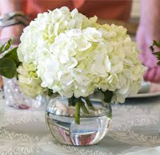 simple hydrangea centerpiece simple centerpiece ideas hen style