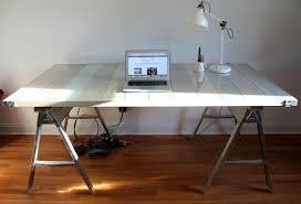 fabriquer bureau diy idée pour un meuble en palette fabriquer un bureau blanc en
