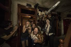 Texas Chainsaw Massacre Halloween Costume Texas Chainsaw Massacre House Scary Halloween Horror