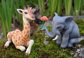 giraffe cake topper elephant and giraffe wedding cake topper by apostacyart on deviantart