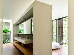 raumteiler wohnzimmer modernes offenes wohnzimmer mit essbereich und regal als raumteiler