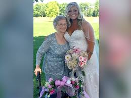 flower girl wedding 92 year shines as flower girl in granddaughter s