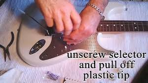how to easy change a strat fender pickguard and replace pickup