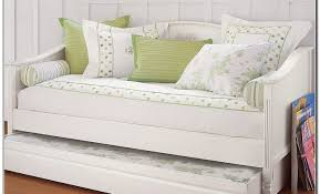 Twin Size Day Bed by Daybed Bedroom Epic Picture Of Small Bedroom Decoration