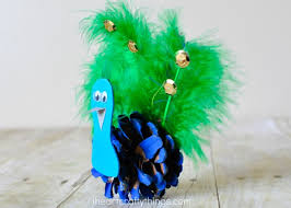 pretty pinecone peacock craft i heart crafty things