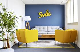 bureaux a partager bureaux à partager la startup qui recycle les bureaux pour les