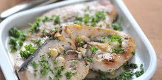 cuisine espadon espadon mariné aux oignons facile recette sur cuisine actuelle
