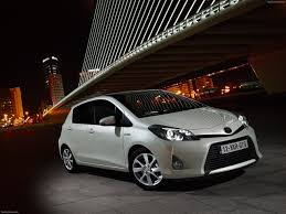 toyota car information toyota yaris hybrid 2013 pictures information specs