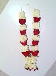 Wedding Garland Prabha Petals Bouquets Garlands And Flowers To Wear