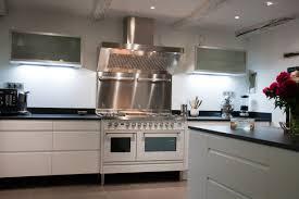 piano cuisine cuisine avec piano de cuisson idées de design maison faciles