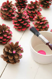 diy pine cone wreath neon pink christmas decorations apartment
