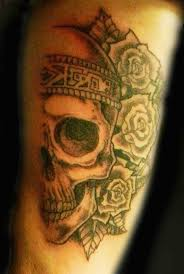 skull roses black and grey half a skull tattoo art artist secret ink truro cornwall best tattoo best tattooist jpg jpg