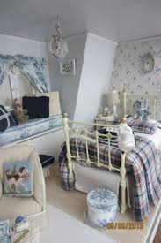 Dollhouse Bedroom Set By Ashley 142 Best Dollhouse Bedrooms Images On Pinterest Miniature Rooms