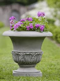 williamsburg acanthus large garden planter jpg v 1518263472