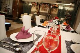 dining table arrangement dining table arrangement at tos raos restaurant picture of aston