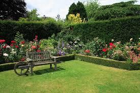 imagenes de jardines pequeños con flores flores de jardin trucos y consejos