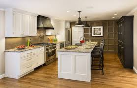 Kitchen Cabinet Trim Molding by Kitchen Cabinet Crown Molding Island Breakfast Bar With Bold