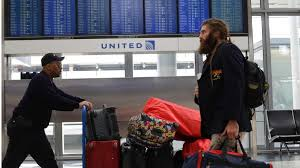 united airlines media baggage united airlines boss oscar munoz should have followed this four